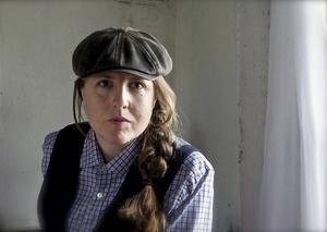 Författaren Stina Stoor tilldelas årets Katapultpris för novellsamlingen
