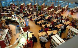 Det andra berättarkaféet i Bollnäs bibliotek blev en ännu större succé än den första.