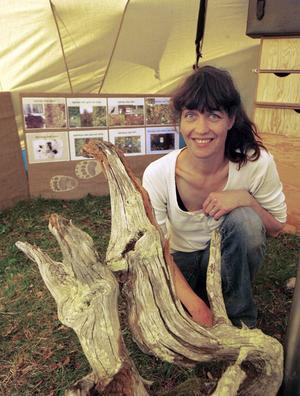 Barnen har fått sitt eget smultronställe i nationalparken. Lisa Persson, Frösön, har byggt ett rovdjurstält där de unga får klämma och känna på delar av rovdjuren.