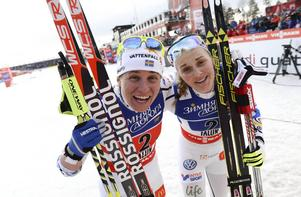 Ida Ingemarsdotter och Stina Nilsson firar jul i Italien med flera andra svenska landslagsstjärnor.