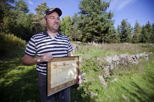 Leifs farfars bror Gunnar Melin tog emot diplomet 1943, som dåvarande ägare av gården.