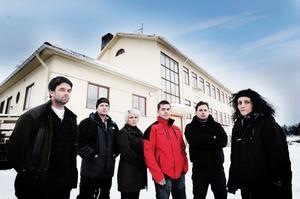 Ett besviket föräldraråd vid Växsjö skola. Från vänster Peter Sjölin, Urban Wickström, Yanina Westergren, Robert Myrberg, Thomas Eriksson och Milla Larsson.