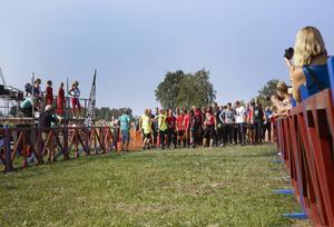 Inför starten kastades några nervösa blickar mellan deltagarna.