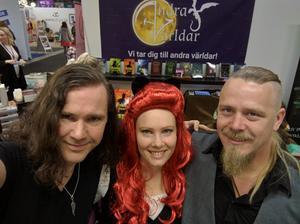 Från vänster,  Aengeln Englund, Anna Vintersvärd och Jakkin Wiss, arrangörer av mässan.