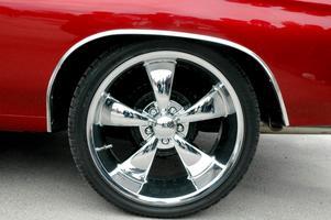 "Skinande blankt. Fälgarna på bilen som blev ""publikens val"", en Chevrolet Chevelle."