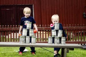 Joel och Ludvig Trossmo från Stockholm har släktingar i trakten och passade på att svänga in på familjedagen på Erik-Anders.