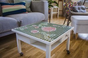 Ett av de mosaikbord som Margareta gjort.