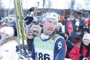 Johan Olsson vann premiären med 0,4 sekunders marginal.