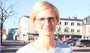 Kommunalrådet Åsa Eriksson (S) får svar på sitt tidigare inlägg.