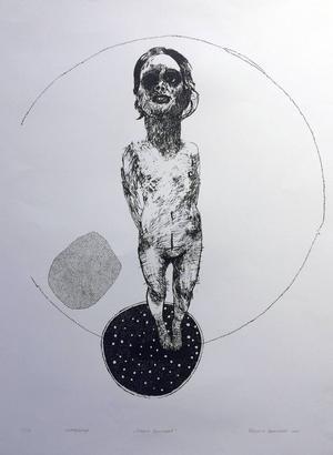 Gabrijela Bulatovics arbetar med cirkelformer och dockliknande figurer.