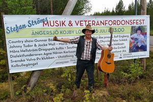 Stefan Ström ordnar Musik och Veteranfordonsfesten i Ängersjö Kojby.