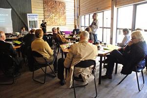 Under Förtroenderådes besök i Rättvik talade geograf Karl Erik Perhans i Dalhalla.