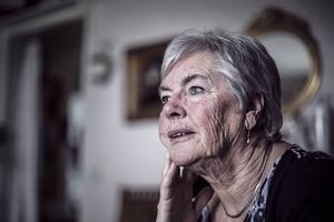 Elsy von Winblad är en av över 3 000 kvinnor i sitt län som lever under EU:s fattigdomsgräns. LT träffade henne i lägenheten på Frösön.