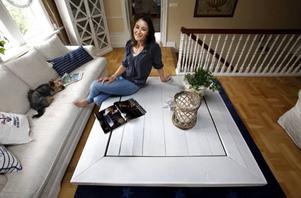 Tinas rustika bord i egen design, tillverkat av gamla golvplankor.