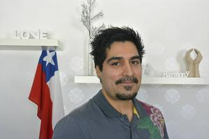 Närmare sitt ursprung. Daniel Wiklund adopterades från Chile för 32 år sedan.