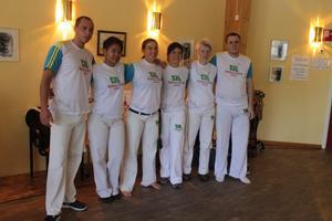Medlemmar i Capoeira Raizes do Brazil från Kramfors redo för uppvisning.