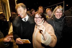 Christer Eriksson, Uppsala, hoppas att Dansbandskampen ska få upp dansintresset igen. Ulrika Andersson, Vendel, instämmer i detta.