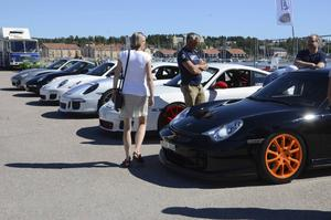 Många olika bilar fanns representerade.