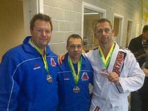 Prisbelönta. Mikael Halling och George Stenkvist vann silver och Kent Palmqvist brons vid helgens tävling.