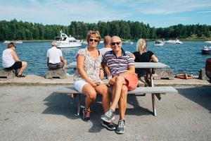 Anita och Josef Inancsi har som många andra kommit hit för att titta på starten.
