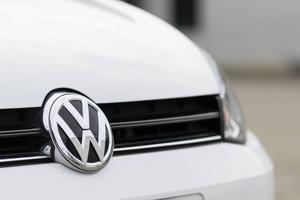 Amerikanska VW-ägare kommer att få ersättning. Men hur blir det för drabbade svenska bilägare?    Foto: Shutterstock