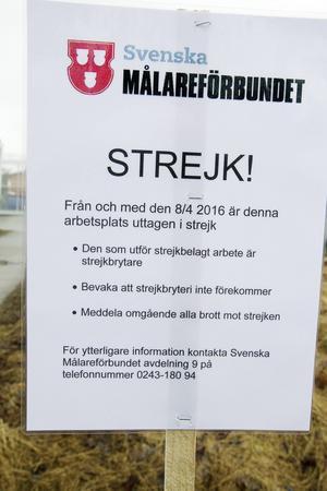 Sedan 8 april strejkar två målare i Gävle. Nu trappar facket upp.