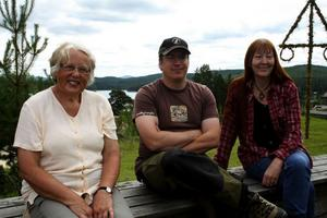 Margareta Wiklund, Johan Larsson och Lena Andersson ser hur Haveröveckan som startade för fem år sedan fortsätter att utvecklas.