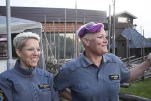Emelie Lindquist och Sara Cannon har tjänstgjort vid nästan alla viskvällar i sommar. Att det skulle vara deras förtjänst att det varit lugnt är de för ödmjuka för att hålla med om.