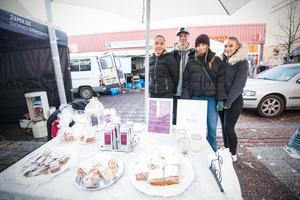Isabelle Lövgren, Gustav Slagbrand,  Helena Dybring och Jonna Avelin driver UF-företaget Tea for you.