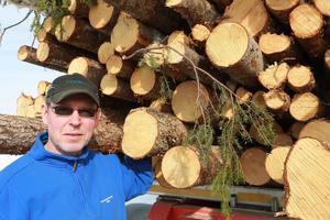 En bra myrväg fungerar bra. Det blir billigare för skogsägaren och är ett miljömässigt bra alternativ, säger Rommy Stenvall.