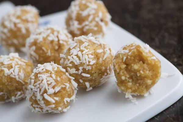 Aprikosbollar är perfekt om du sötsugen, men vill undvika godis eller vanligt socker.