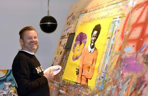 Sedan 25 år tillbaka har Christian Beijer penseln hårt i handen. Och allt han målar säljs.