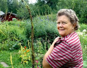 Växtintresse. Margareta Torstensson äntrar sitt blomsterland. Utöver matlagningscirklar har hon tidigare hållit kurser i att torka blommor.