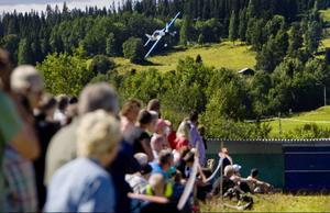 Flyg- och motorhelgen lockade 1 500 besökare på två dagar. Enligt arrangörerna kan evenemanget, som genomfördes för första gången, komma att få uppföljare i framtiden.Foto: Ulrika Andersson