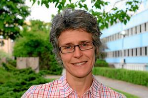 Örebros trafikstrateg Anna Kero tror att örebroarna kommer att få räkna med en del bilköer i framtiden.