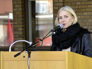 Före detta Hälleforsbon och SSU:aren Johanna Quist var en av talarna under första maj-firandet.Bild: annika nygren-berg