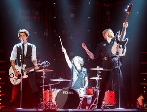 Punkrockarna i Neverstore när de uppträdde i årets upplaga av Melodifestivalen.
