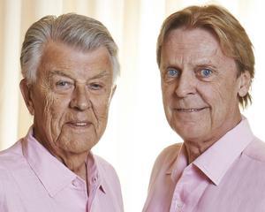 Sven-Bertil Taube och Göran Fristorp uppträder tillsammans med Curt-Erik Holmquist i Sidsjö.