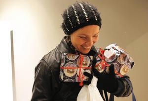 Elin Hansson är en av dem som har lämnat julklappar.