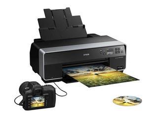 För jättelika fotonDe flesta skrivare klarar inte av större utskrifter än A4. Det finns dock undantag, till exempel Epson Stylus Photo R3000. Det är en skrivare som även kan skriva ut i A3.I övrigt är R3000 en ganska vanlig bläckstråleskrivare som fungerar precis lika bra för fotografier som för vanliga dokumentutskrifter.Prisintervall: 5 906-8 238 kronorLäs mer: www.epson.se