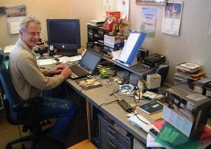 Med 840 anställda så har Björn Strandberg ständigt fullt upp. Här i Assistanslotsens administrationskontor i Borgvattnet har bolaget sitt juridiska säte.