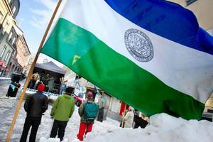 JRA anordnade ett nationaldagsfirande på Stjärntorget i Östersund, med artistuppträdanden och föräljning av Jämtlandsprylar. Foto: Henrik Flygare