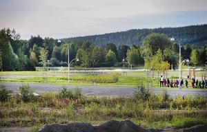 24 förslag skickades in till tävlingen för att namnge vägen genom Östernäsområdet.