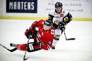 HHC:s Niklas Svensson och hans lagkamrater drattade på ändan mot Borlänge.