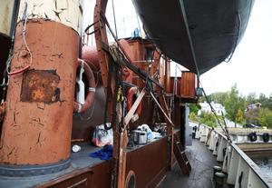 Båten gjordes i ordning provisorisk inför färden från England till Sverige.