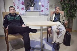 Emerich Roth, till höger, och Carl Wennerstrand, till vänster, besöker Ljusdal med en mycket tänkvärd föreläsning. På onsdag får kommunens åttondeklassare lyssna till dem.