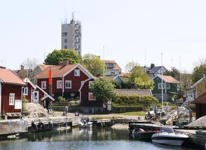 Landsorts hamn på ett foto från förra sommaren.