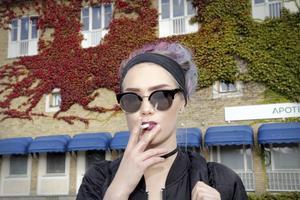 Sticker ut. Ängie har aldrig varit som alla andra. Nu har hon kontrakt med skivbolaget Universal och nyligen släppt en singel som fått stor uppmärksamhet. Foto: Gunnar Jacobsson