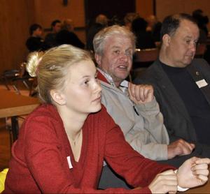 Anna Roos tyckte att dagen var intressant, och trodde att ungdomarna hade påverkat lite. Här är hon tillsammans med Ragnar Lif och Lars-Eric Bergman.