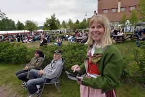 Älvdalen 150613Älska ÄlvdalenFolkfest i Tingshusparken när Älvdalen fick sin prinsessa.Foto Nisse Schmidt